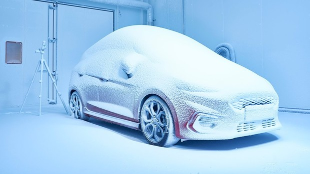 Фото №1 - Вот как жестоко Ford тестирует свои автомобили! (ВИДЕО)