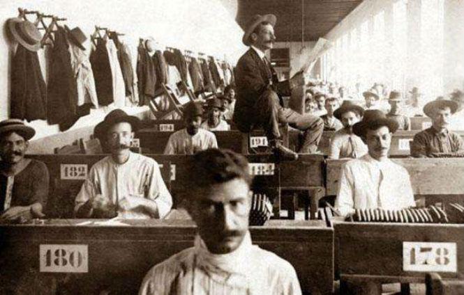 Фото №2 - 13 профессий, которые исчезли с появлением современных технологий