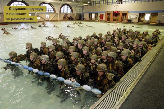 Фото №7 - Уйди, противник! 14 странных армейских ритуалов и испытаний