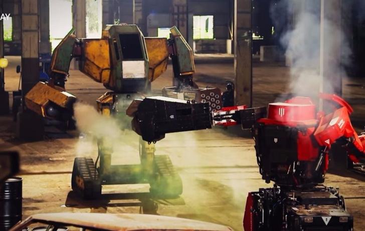 Фото №1 - Видео первой во Вселенной битвы роботов-гигантов!