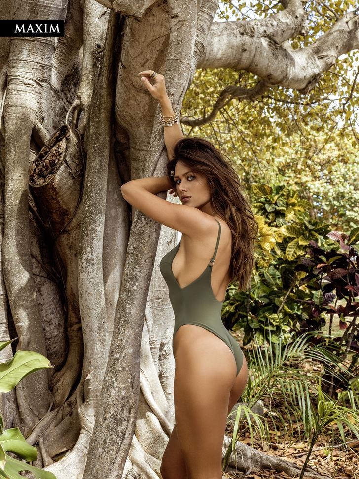 Фото №5 - Анна Кастерова! Наш фотограф настиг беглую телеведущую на пляже в Майами!