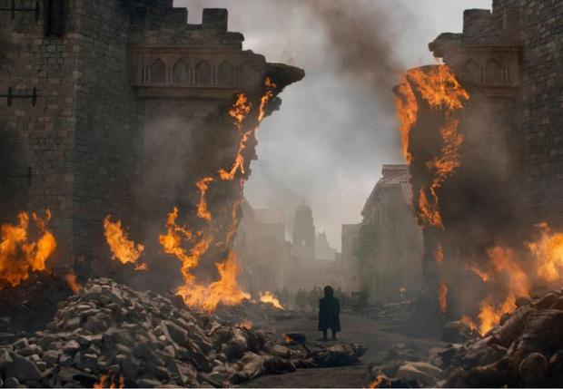 Фото №4 - 35 пылающих вопросов к финалу «Игры престолов» и его создателям