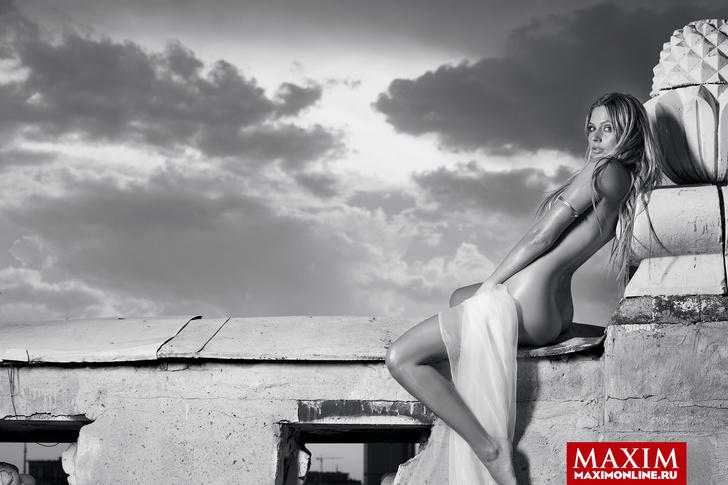 Фото №9 - Лучшие фотосессии MAXIM 2013 года. Часть вторая:  Татьяна Котова,  Наталья Рудова,  Антонина Комиссарова и другие