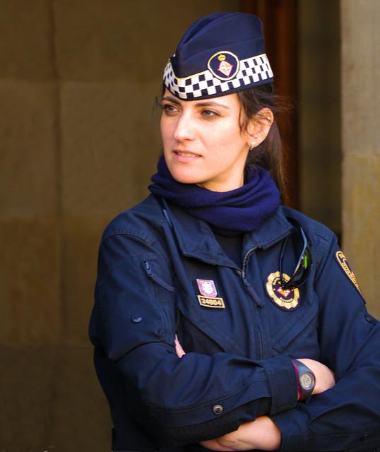 Фото №11 - Самые красивые девушки-полицейские мира