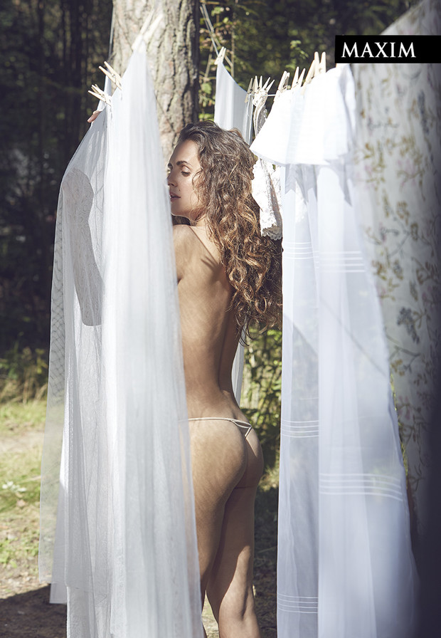 Фото №3 - Дачные удовольствия: наша загородная фотосессия актрисы Марии Шумаковой