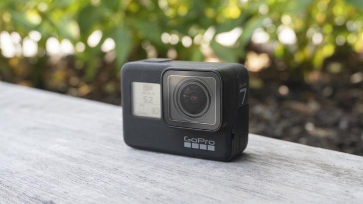 Фото №1 - Вышла экшен-камера GoPro Hero 7 (еще больше эпичного видео)