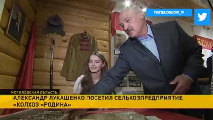 Фото №1 - Лукашенко «совершенно случайно» встретил в музее «Мисс Беларусь» и предложил ей возглавить колхоз!