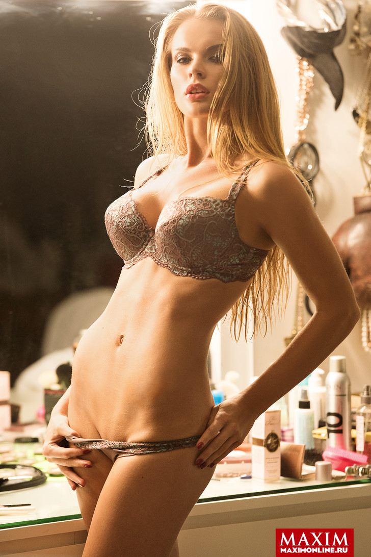 Модель Анастасия Вершинина - фото в MAXIM