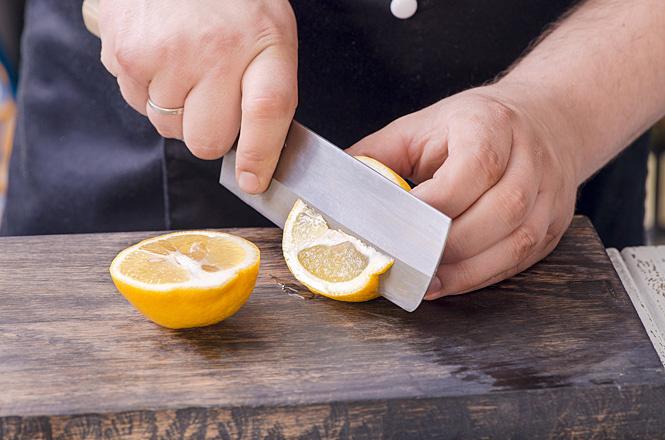 Нарежь лимон
