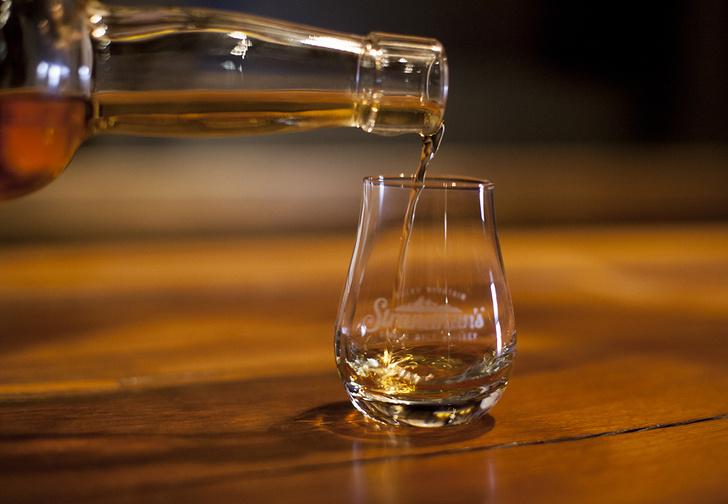Фото №1 - Microsoft пытается создать идеальный виски с помощью искусственного интеллекта