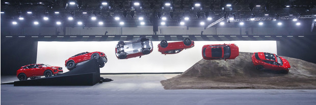 Фото №8 - Рекорд Гиннесса: «бочка» на серийном автомобиле. Видео!