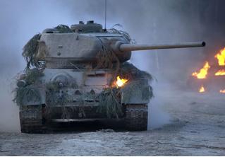 Будет ли танк ехать быстрее, если при этом непрерывно стрелять назад?
