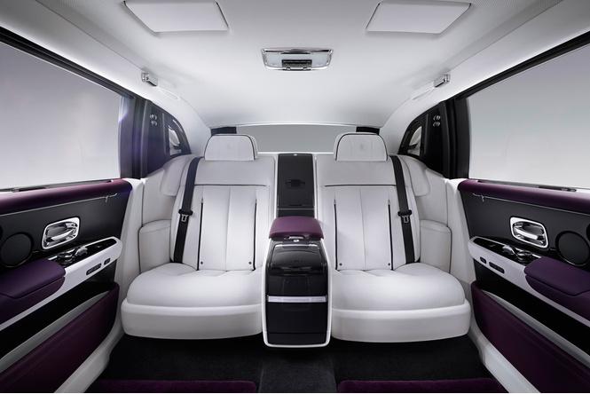 Мы поездили на новом Rolls-Royce Phantom за тебя. То есть, конечно, для тебя!
