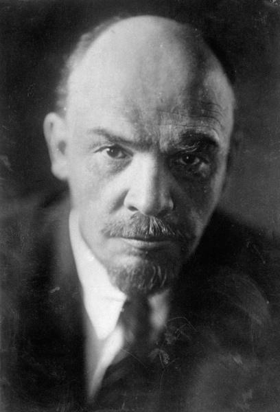 Фото №4 - Отретушированные Николай II, Маяковский, Ленин и другие твои старые знакомые. Такими ты их никогда не видел