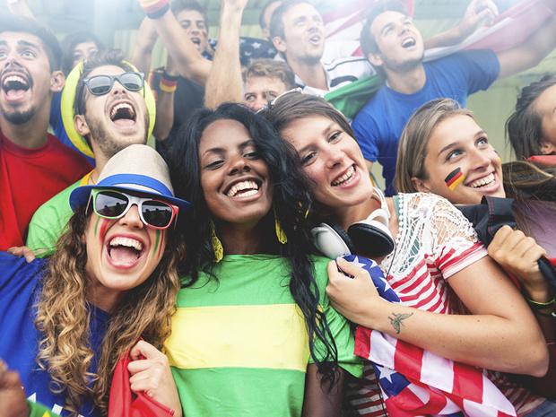 Фото №4 - Как заставить девушку полюбить футбол