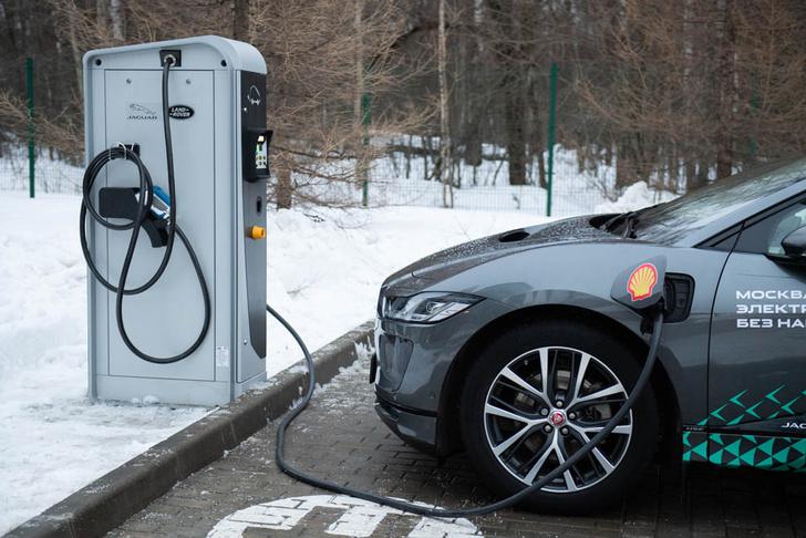 Фото №2 - Электричкой из Москвы до Питера на чистой энергии Jaguar I-Pace