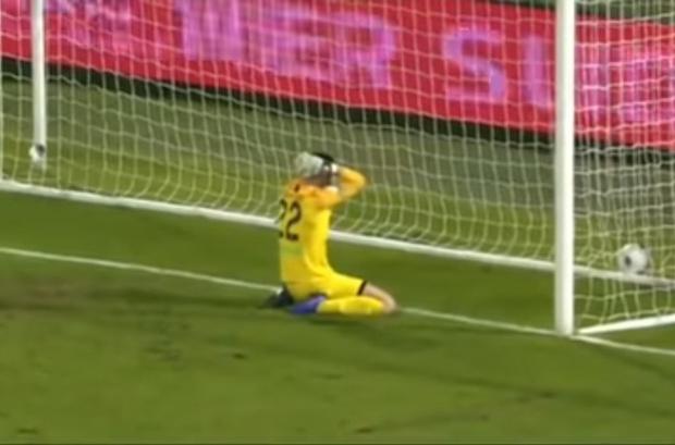 Фото №1 - Самый, пожалуй, дурацкий и обидный футбольный автогол сезона (видео)