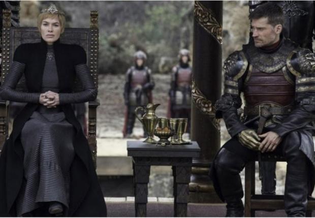 Фото №1 - Серсея выложила озадачивающее видео со съемок финального сезона «Игры престолов»