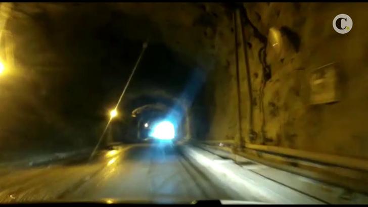 Фото №1 - Самый пугающий тоннель в мире! (ВИДЕО)