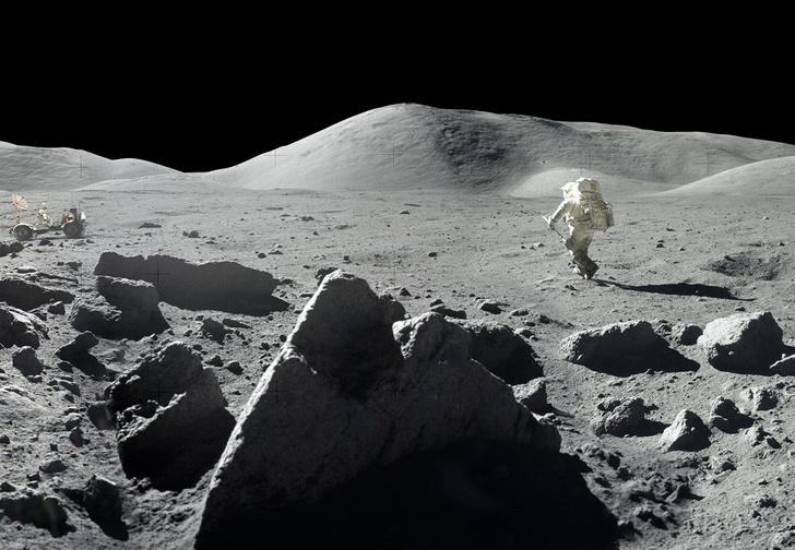 Фото №1 - NASA показало ранее не опубликованные панорамы, снятые во время высадки на Луну (фото)