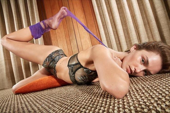 Фото №7 - «Мисс Вселенная», Аглая Шиловская, австралийские нудистки и другие самые сексуальные девушки этой недели