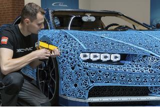 Миллион деталей и десять месяцев: как собирали Bugatti Chiron из кубиков Lego