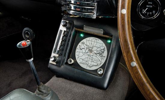 Машина Бонда с молотка