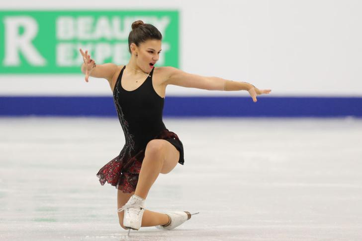 Фото №1 - Сенсация чемпионата Европы по фигурному катанию Софья Самодурова! Она победила саму Алину Загитову