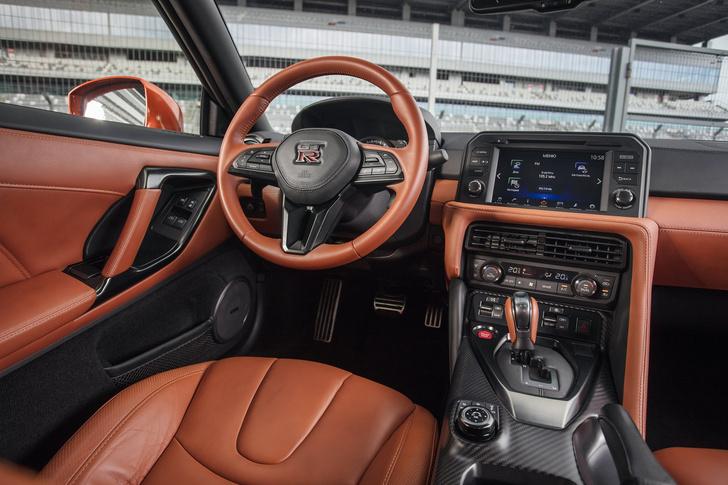Фото №5 - Nissan GT-R: Годзилла возвращается