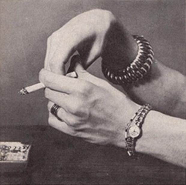 Фото №3 - Определить характер человека по тому, как он держит сигарету (ретротест в картинках)