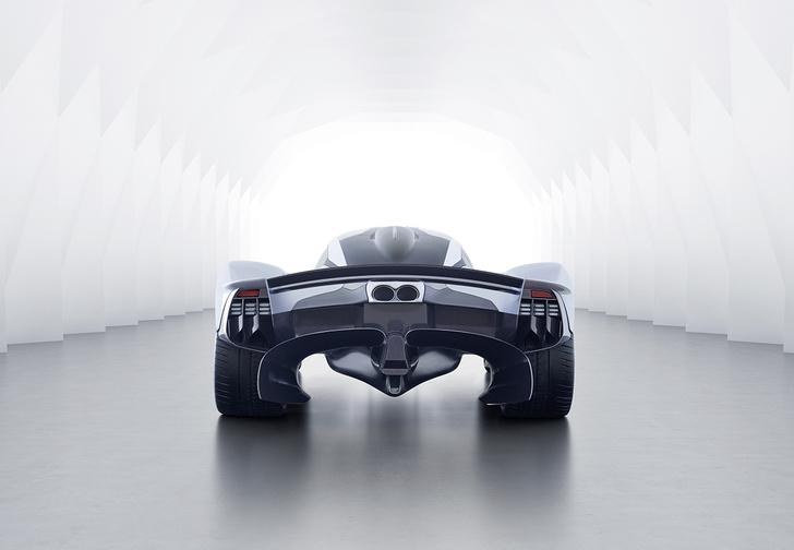 Фото №4 - В клубе тысячесильных пополнение: Aston Martin Valkyrie
