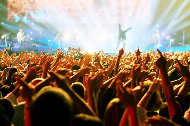 Фото №1 - Что делать летом: сходить на самые крутые концерты