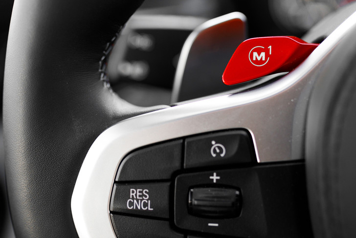 Фото №4 - Тест BMW M5, машины по превращению резины в дым