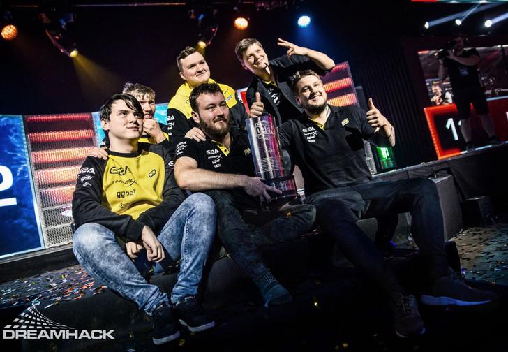 Фото №1 - Na'Vi — чемпионы DreamHack Winter по CS: GO + лучшие моменты