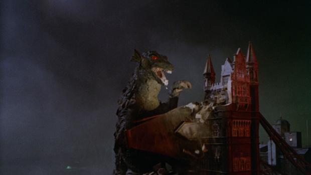 Фото №3 - 10 фильмов о гигантских монстрах, которые ты мог случайно пропустить