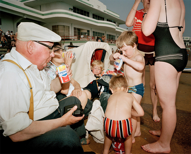 Фото №13 - Обычный туристический ад: фотографии английского курорта в 80-е