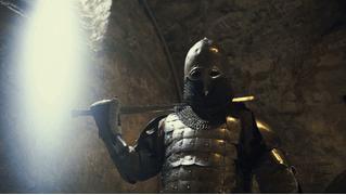 Компания Илона Маска открыла вакансию нецензурного рыцаря с французским акцентом