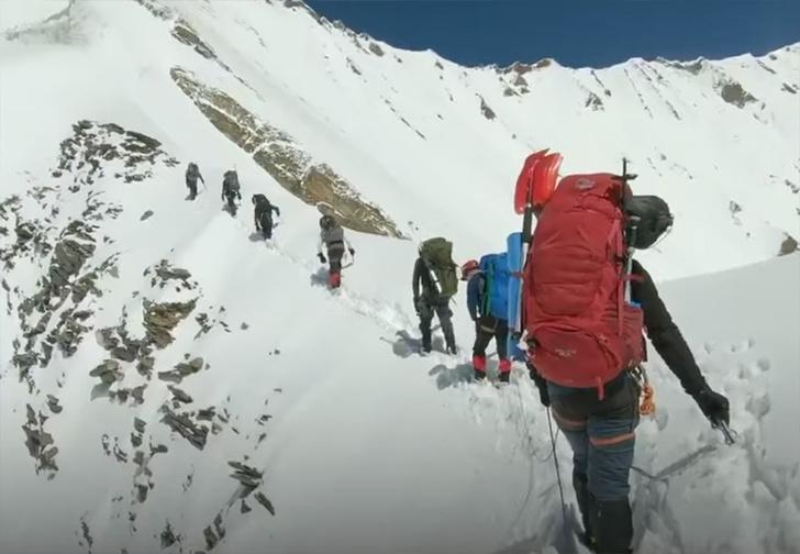 Фото №1 - Спасатели опубликовали последние кадры экшен-камеры, найденной у погибших в Гималаях альпинистов (видео)