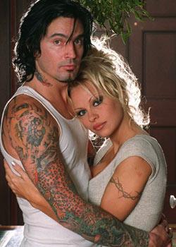 Фото №8 - Странные звездные татуировки