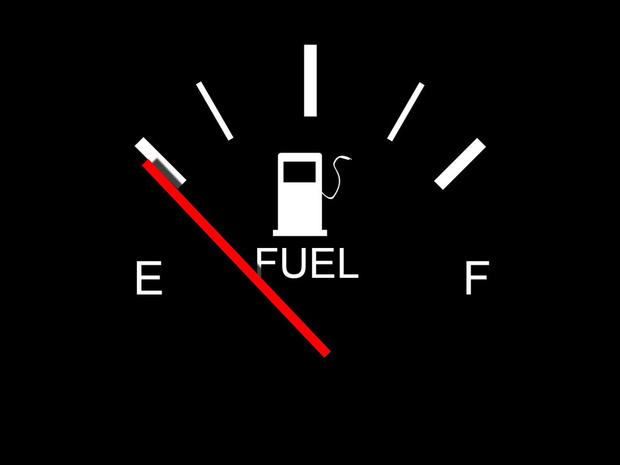 Фото №8 - Что делать, если бензин в баке закончился? Пошаговый гид