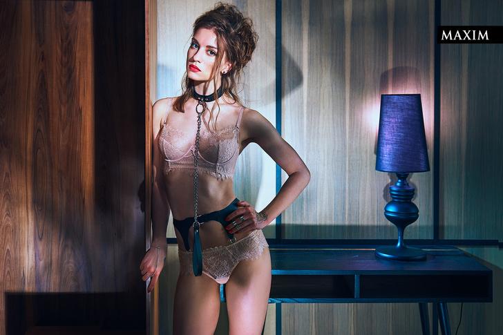 Фото №6 - Режиссерская версия: Ксения Зуева в фотосессии, снятой с первого дубля!