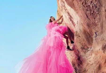 Джулия Робертс на отвесной скале в самой смелой своей фотосессии