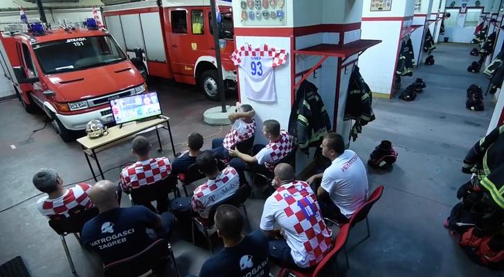 Фото №1 - Было обидно, когда наши проиграли? Эти хорваты пережили самый большой облом во время матча! (ВИДЕО)