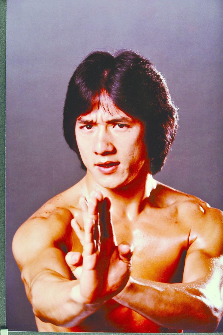 Фото №11 - Успехи бога: жизнь и судьба Джеки Чана, самого неубиваемого актера на Земле