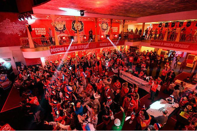 «Время для хоккея в кокошниках и лаптях»: Как наши фанаты отрываются на Олимпиаде