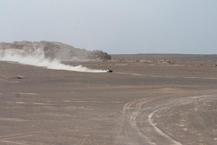 Фото №3 - В пекло и обратно: пытаемся проверить, что умеет Toyota Land Cruiser