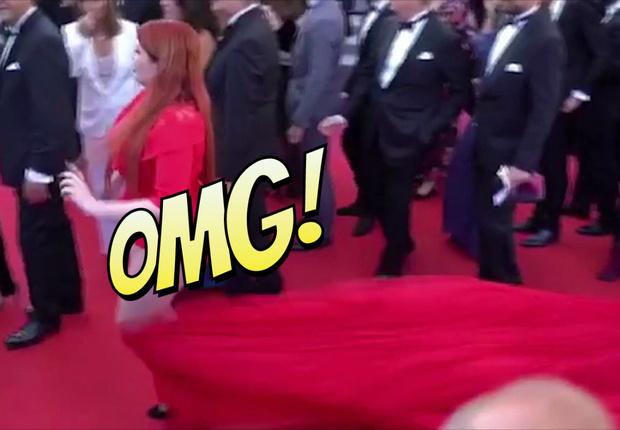 Фото №1 - Русская модель потеряла юбку прямо на красной дорожке Каннского фестиваля!