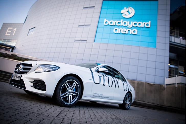 Участники мажора боролись за не менее приятный трофей — новый Mercedes-Benz E-класса