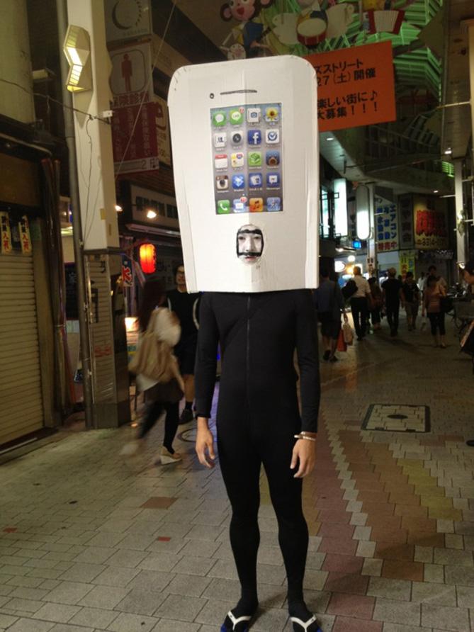 Фото №13 - Самые нелепые примеры косплея iPhone в истории!