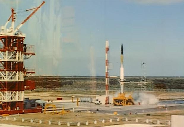 Фото №1 - Взрыв первого американского спутника (архивное видео)